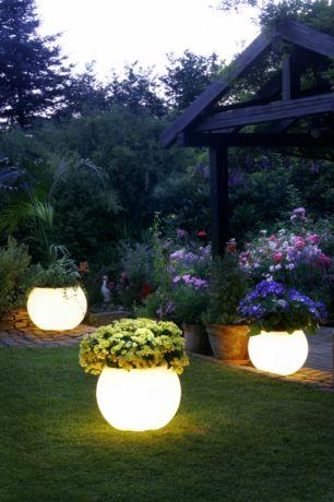 Фото - Садові ліхтарики для організації вечірнього освітлення