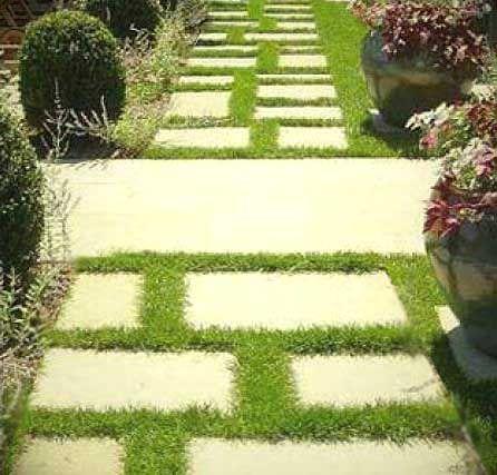 Фото - Мощення садових доріжок цільними кам'яними плитами