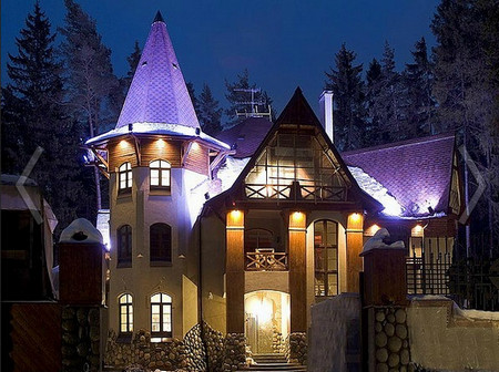 Фото - освітлення фасаду приватного будинку