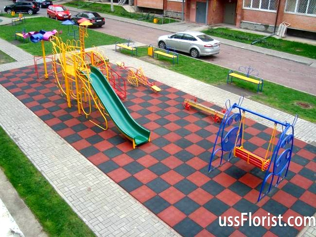 Фото - гумова плитка для дитячого майданчика