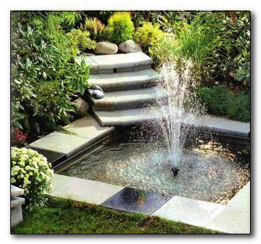 Фото - Фонтани для саду в природному облаштованому водоймі