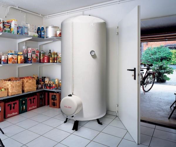 Фото - підлоговий водонагрівач в приватному будинку