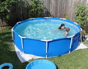 Вибираємо і встановлюємо каркасний басейн для дачі