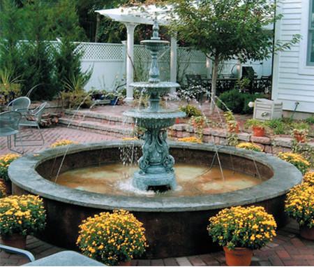 Фото - фонтан в саду