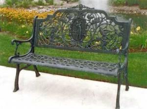 Фото - Садова лавка з кованими і литими деталями