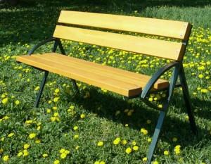Фото - Лавки для дачі та саду - комбінація металу і деревини