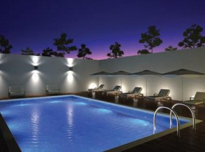 Фото - світильники для домашнього басейну