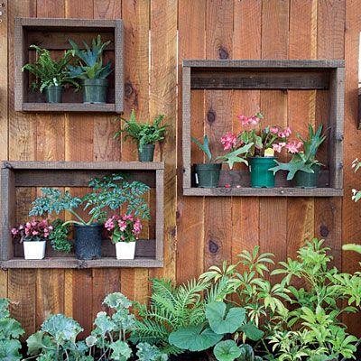 Фото - Ніші для прикраси огорожі в саду і на дачі