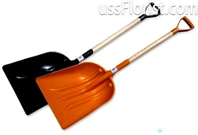 Лопати з пластику – фото