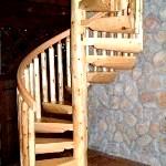 Сходи для дачі на другий поверх