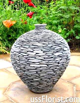 Скульптури з каменю для саду