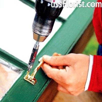 Фіксація ручок на вікнах – фото